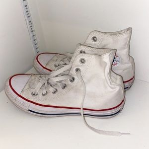 white high top Converse|| woman's size 6